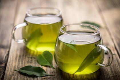 vasos de té verde